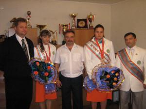 со своими тренерами в  Динамо